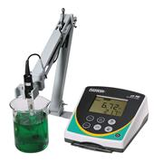 Thumbnail Image for pH 700 Benchtop Meter